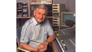 The veteran broadcaster Sean Og O Ceallachain has died at the age of 89.