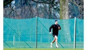 Although jogging at Carton House yesterday Jonathan Sexton is still rated at less than 50-50 to make the game against France next week. Photograph: James Crombie/Inpho