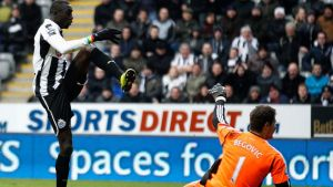 Newcastle United's Papiss Cisse scores the winning goal against Stoke City. Photograph: David Moir/Reuters