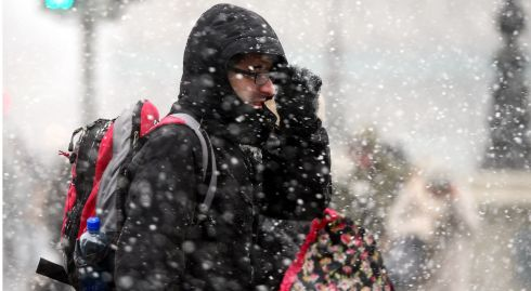 Braving the blizzard in Dublin city. Photograph: Bryan O'Brien/The Irish Times