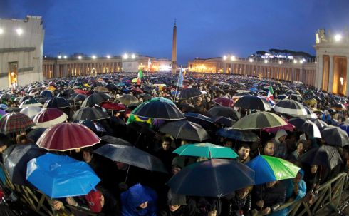 Crowds watch the top of the Sistine Chapel during the second day of voting for the election of a new pope for signs of smoke. Photograph: Reuters