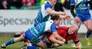 Munster's Paul O'Connell scores the opening try