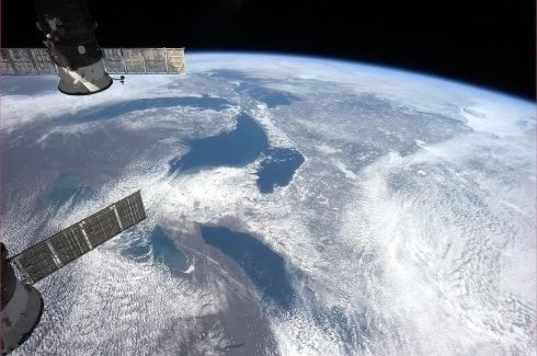 Tonight's Finale: From Ontario to Superior, the Great Lakes in mid-March, as-seen from Earth orbit Photographs: Chris Hadfield