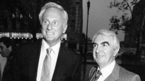 Samuel Goldwyn jnr, son of Hollywood supremo Samuel Goldwyn of Metro-Goldwyn-Mayer movie studios, with Milo O'Shea at a premiere in Dublin in May 1992.  Photograph: Joe St Leger/The Irish Times