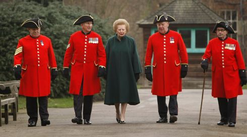 Margaret Thatcher walks with Chelsea pensioners (L-R) John Walker,  Charles McLaughlin, David Pultney and John Ley in 2008.Photograph: Daniel Berehulak/Getty Images