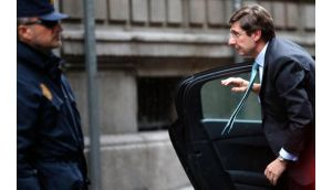 Spain's Bankia chairman Jose Ignacio Goirigolzarri (right) arrives to testify at court in Madrid earlier this month. Photograph: Juan Medina/Reuters