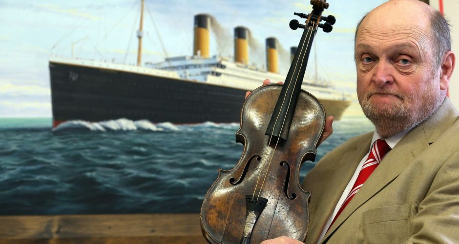 Titanic auction 101 years after sinking