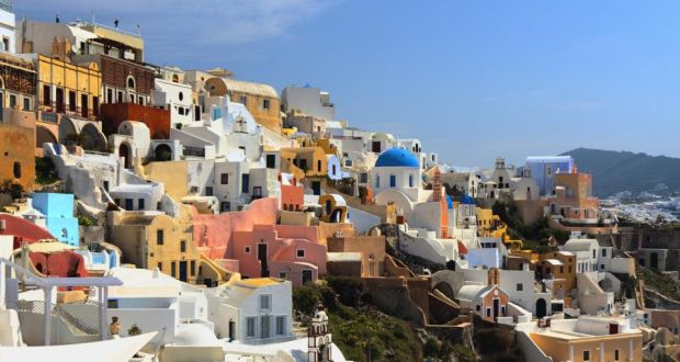 Soak Up The Sun Without Breaking Bank In Santorini