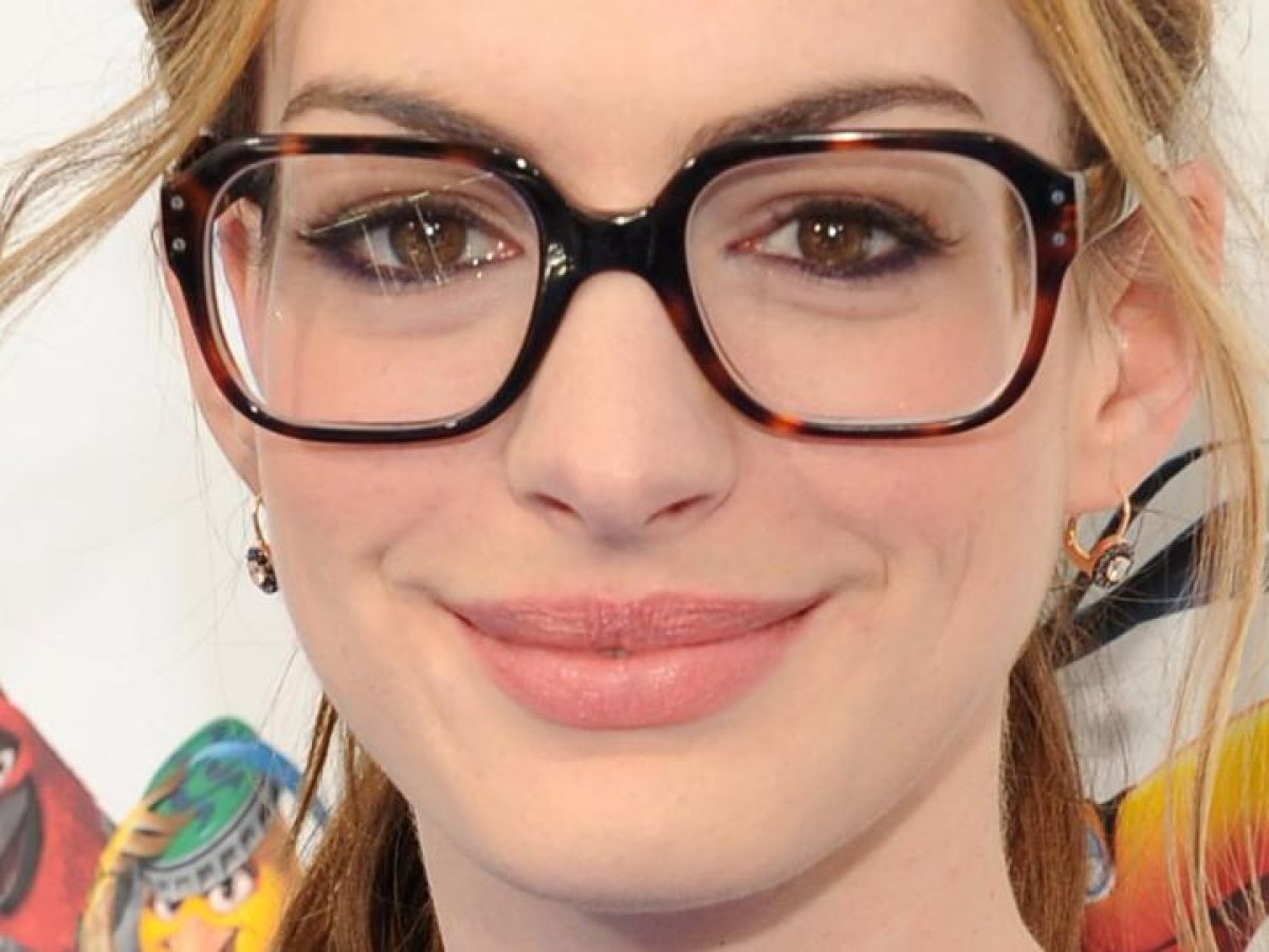 A Lookers Guide To Spicing Up Your Specs Life