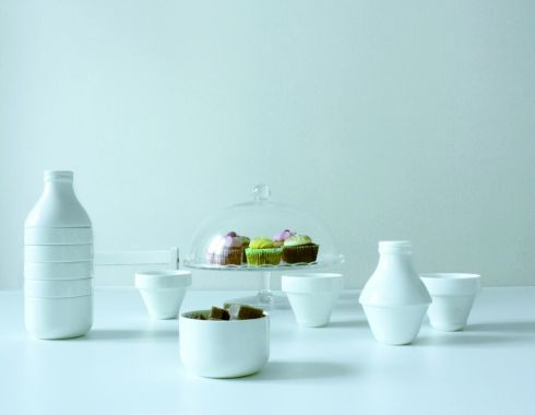 Stackable tea or coffee set consisting of a milk jug, four tea cups and a bowl, €35 at Designist (designist.ie)