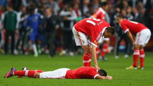 Fomer Chelsea player Nemanja Matic  consoles Oscar Cardozo after the final whistle. Photograph: Michael Steele/Getty Images