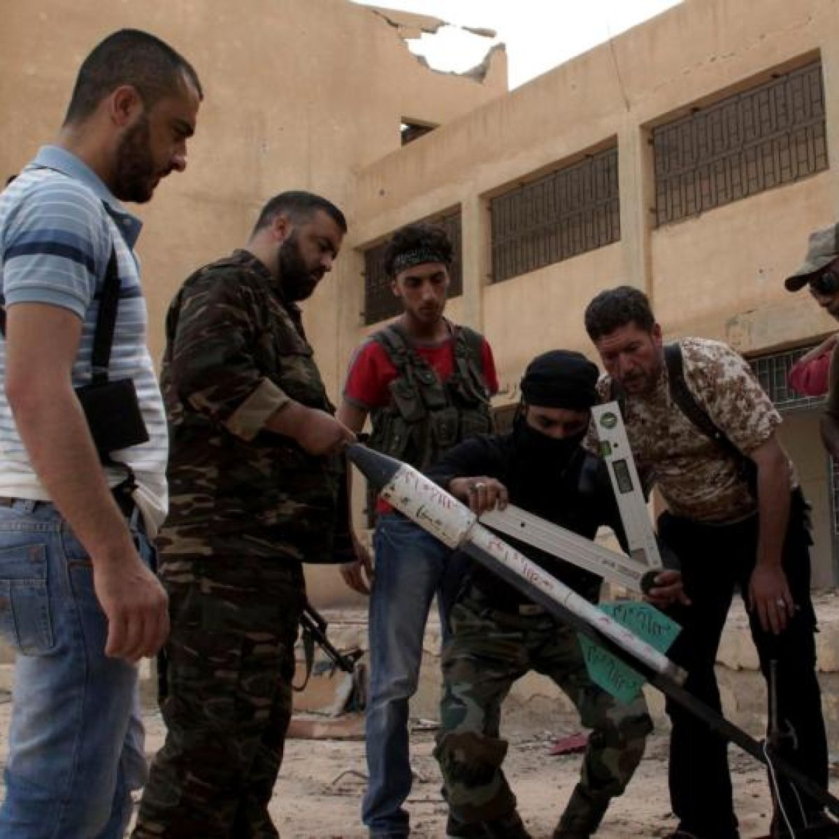 Syrian government has clear arms advantage over rebels