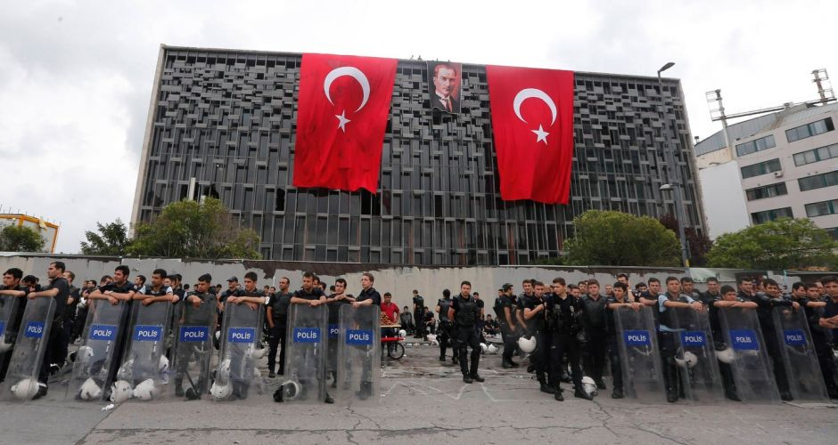 Turkish police clear Taksim Square