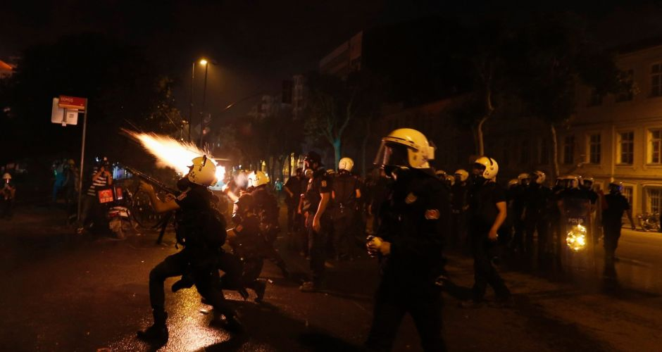 Turkish police storm Taksim Square