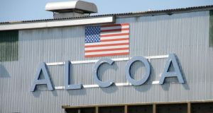 Mining company Alcoa kicked off the US earnings season with results that beat analysts' estimates.