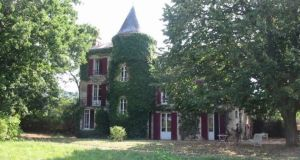 FRANCE: Saone-et-Loire,  €550,000, latitudes.co.uk