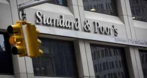 Ratings agency Standard and Poor's has kept Ireland's BBB+ grade unchanged and raised the outlook to positive from stable.