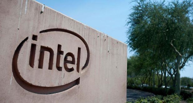 Intel cuts 2013 revenue forecast as PC industry sags