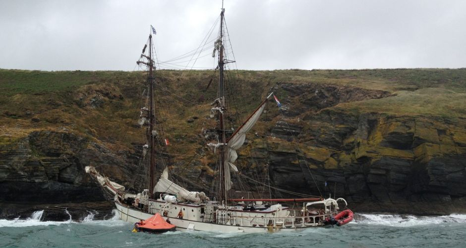 Tall ship Astrid aground off Cork