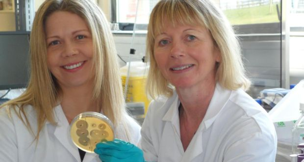 Rebecca Wall A Researcher With The Alimentary Pharmabiotic Centre Dr Catherine Stanton