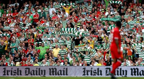 Celtic fans near the end of the game   Photo : INPHO/Ryan Byrne