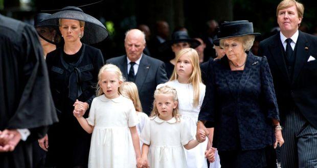 Dutch prince Friso buried near mother's castle