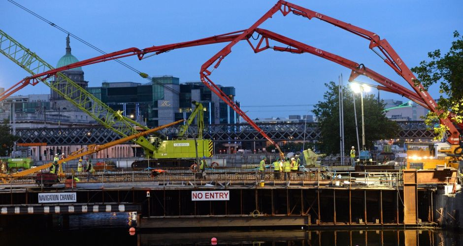 Pouring of concrete for new Dublin Bridge