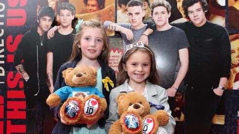 Ruby Walsh (8) and Libby O'Brien (7) from Dublin. at the Cineworld screeing of One Direction: This is Us. Photograph: Bryan Brophy/1Image