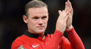 Manchester United's Wayne Rooney will not be handing in a transfer request ahead of the window closing on Monday.