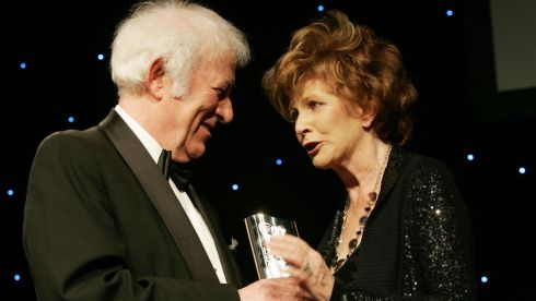 The Nobel Laureate presents distinguished Irish Novelist, playwright and short story writer Edna O Brien the Bob Hughes Lifetime Achievement Award  at the Irish Book Awards 09 in Dublin's mansion House. Photograph: Alan Betson/The Irish Times