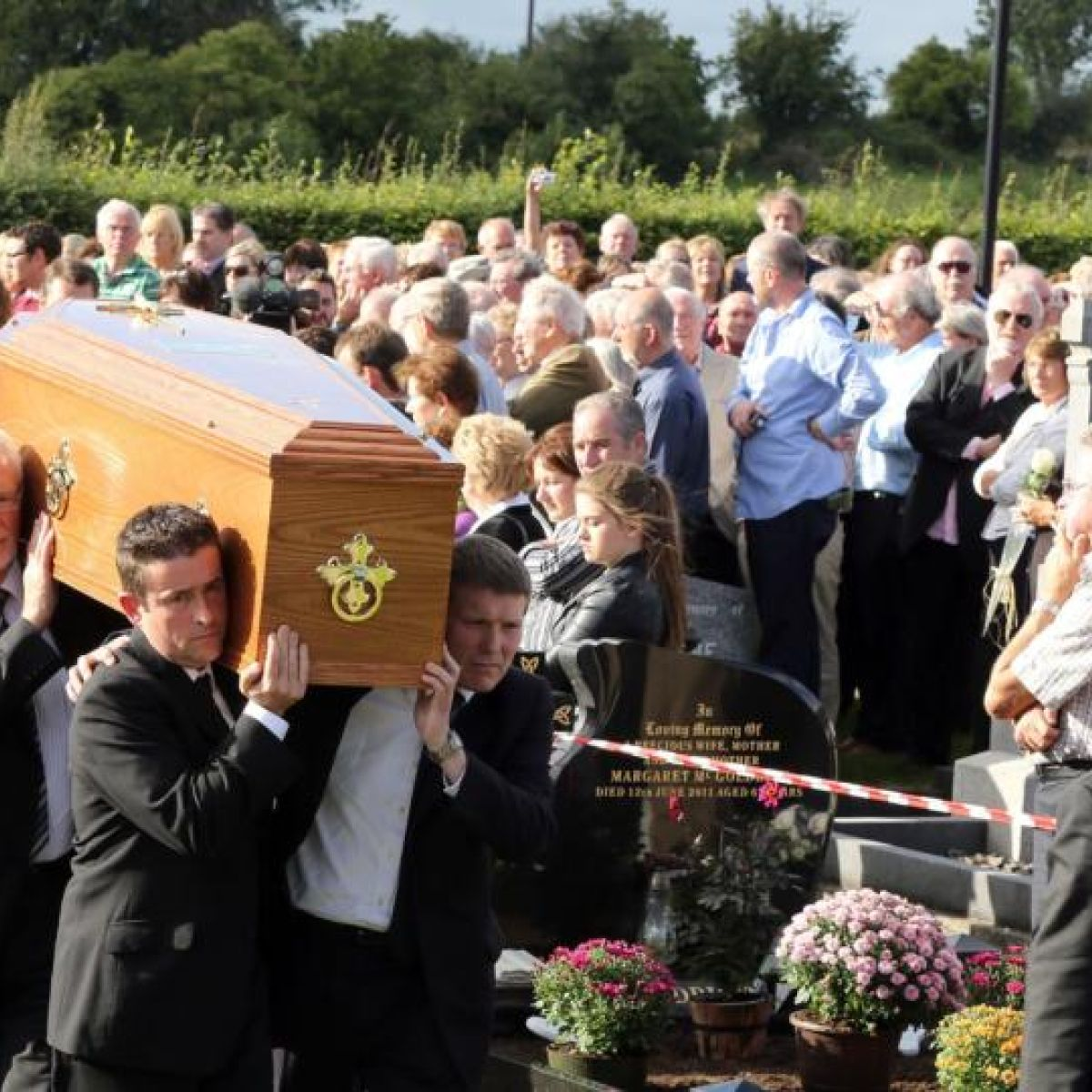 Seamus Heaney Laid To Rest In Bellaghy