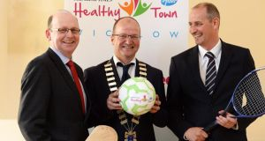 Irish TImes editor Kevin O'Sullivan, Mayor of Wicklow town Malcolm Earls andmanaging director of Pfizer Healthcare Ireland Paul Reid announcing details of The Irish Times/Pfizer Healthcare Healthy Town  in Wicklow. Photograph: Cyril Byrne