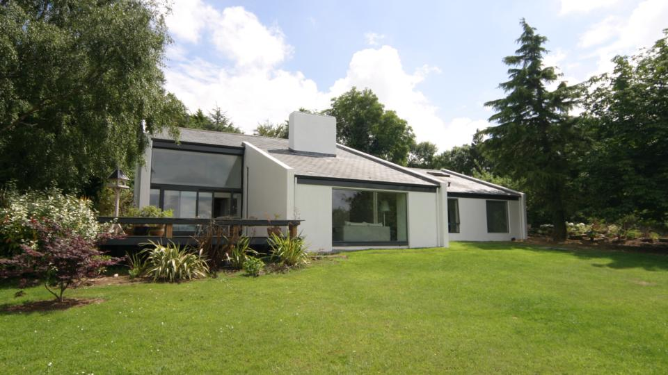 1970s styles with a modern twist for Modern irish house architecture