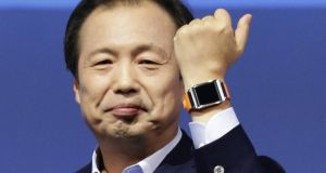 Samsung CEO Shin Jong-kyun presents the Samsung Galaxy Gear smartwatch during its launch in Berlin today