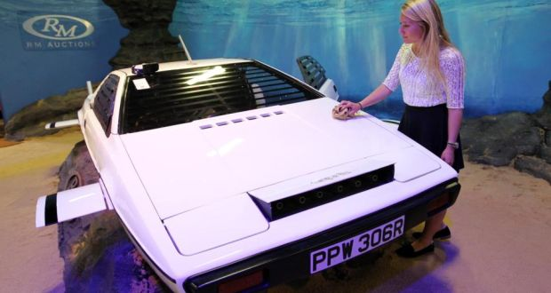 James Bond Submarine Car To Be Auctioned
