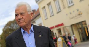 "Frank Stronach: his party has declared war on ""the system""."