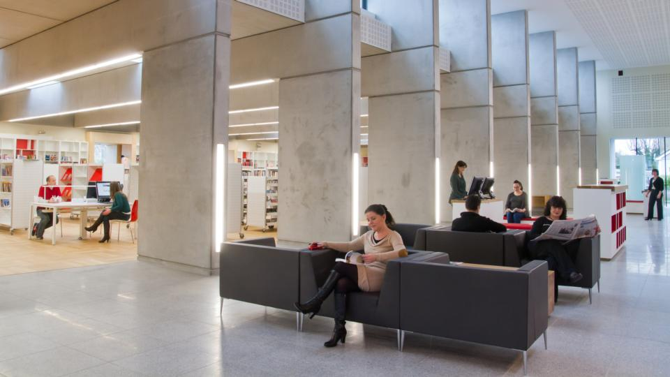 Modern Architecture Library the walls come down in the modern library
