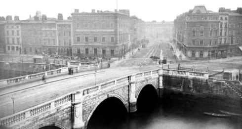 Carlisle Bridge (c.1870) View of Carlisle Bridge (now O'Connell Bridge) with D'Olier Street visible in the distance. © Courtesy of Dublin Port Company