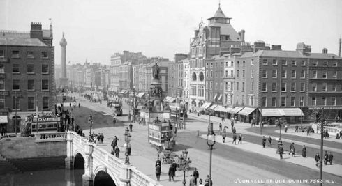 O'Connell Bridge (c.1905) View of O'Connell Bridge from Aston Quay. The elaborate edifice of the Dublin Bread Company can be seen as the highest building along the city skyline. The company operated a popular restaurant at first floor level, with smoking rooms and recessed balconies on the second floor. It was a landmark for only 15 years and was completely destroyed in the Easter Rising of 1916 – only fragments of the facade survived. © Courtesy of The National Library of Ireland