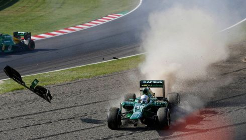 Caterham Formula One driver Giedo van der Garde of Netherlands crashes during the Japanese F1 Grand Prix. Photograph: Issei Kato/Reuters