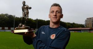 St. Patrick's Athletic's Anto Flood with the Airtricity/SWAI Player of the Month Award for September 2013. Photograph: David Maher/Sportsfile