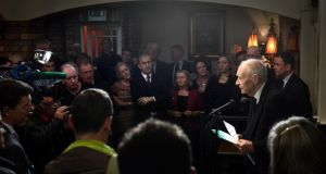 Liam Cosgrave former taoiseach speaking on the occasion of the unveiling of a plaque celebrating the birth of WT Cosgrave at Kennys bar 174 James's Stree, last evening.t Photograph: Cyril Byrne / THE IRISH TIMES