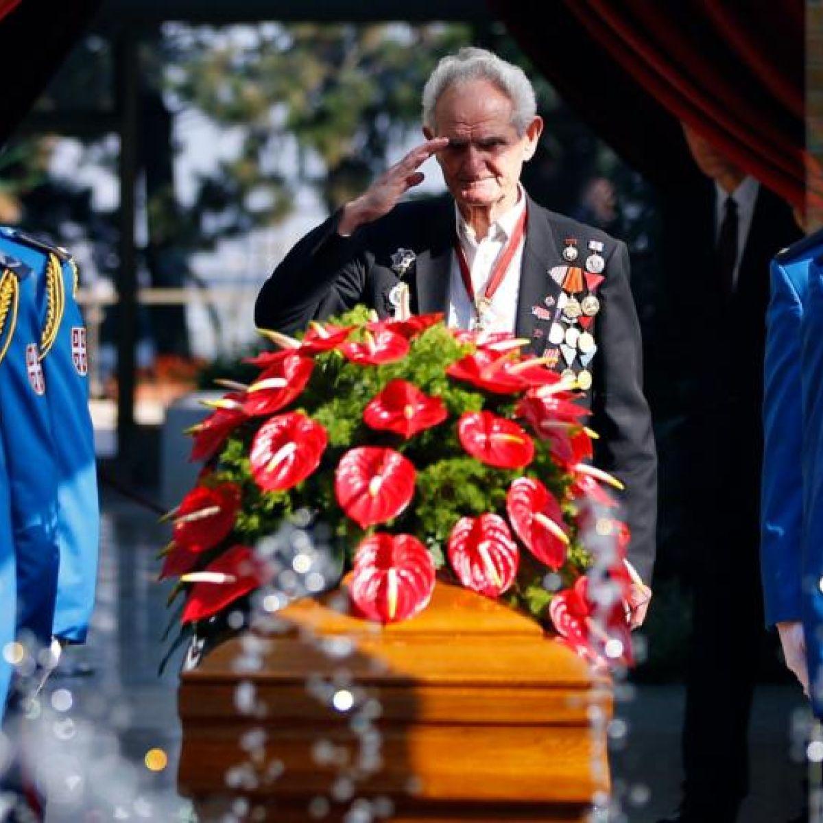 Titos widow receives state funeral izmirmasajfo