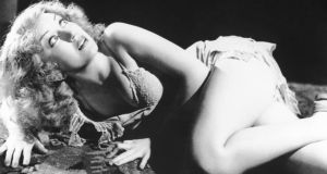 Fay Wray in King Kong: what is it about scary movies that makes us want to watch them despite the fact they disturb us?