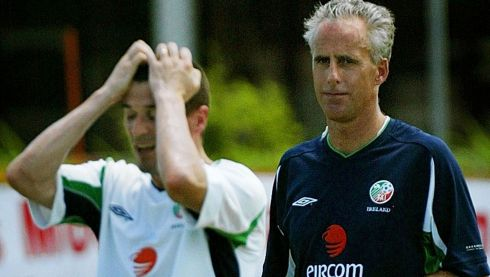 Republic manager Mick McCarthy (right) watches team captain Roy Keane react to losing a point in a practice game while training in Saipan May 23, 2002.  Photograph: Kieran Doherty/Reuters