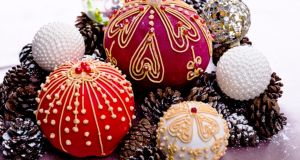 Cakes with a difference: Christmas baubles