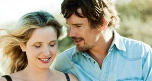 Julie Deply and Ethan Hawke in Before Sunrise;