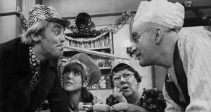 An actor's life: Tony Booth, left, with Una Stubbs, Dandy Nichols and Warren Mitchell,  in the Christmas 1966 episode of  'Till Death Do Us Part'. Photograph:  Keystone/Getty Images