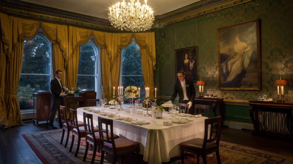 Dine like lords and ladies just for one night for Best private dining rooms dublin
