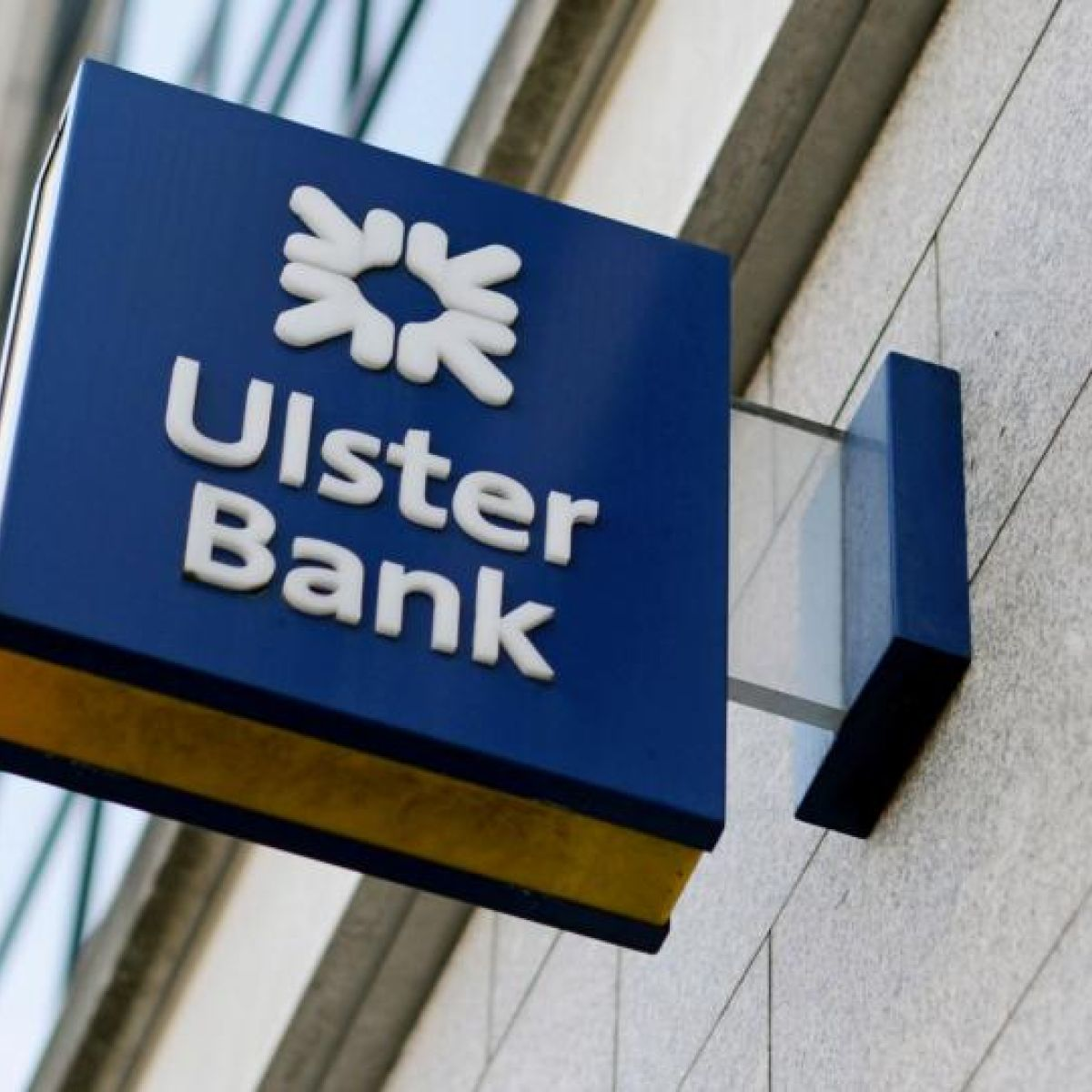 Ulster Bank customers hit by \'technical issues\'